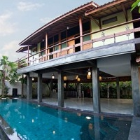 bali wooden house villas with three bedroom and swimming pool design concept 2