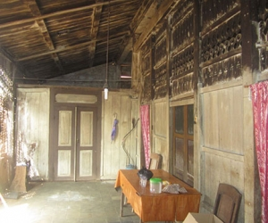 buy and rebuild traditional javanese joglo wooden houses in bali 4