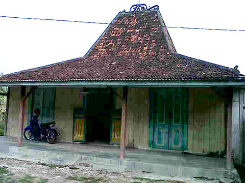 buy antique wooden house joglo java wooden house for villa complex joglo bagustiang 2