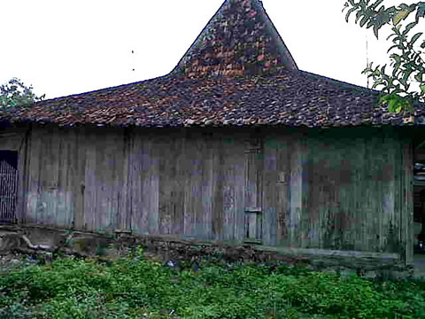 buy antique wooden house joglo java wooden house for villa complex joglo bagustiang 3