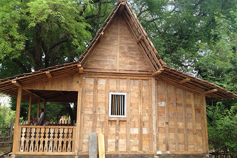classic javanese joglo wooden house gladag weeds 500x600 2