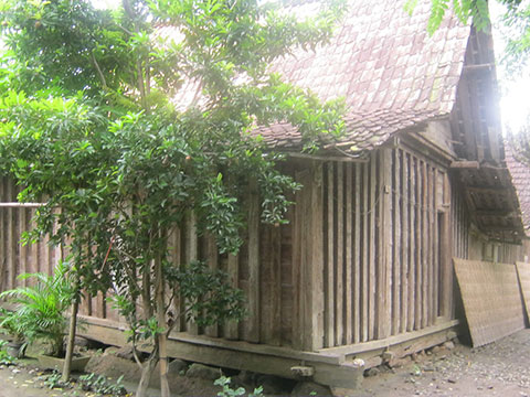 sell traditional old wood java joglo limasan houses gladak gunung 12